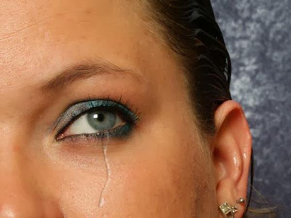 Cách tạo giọt nước mắt trong Photoshop CS6 1