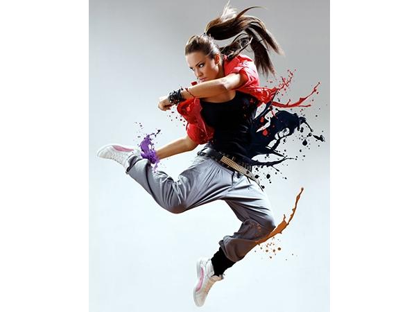 Tạo hiệu ứng chất lỏng tung tóe từ người vũ công 1