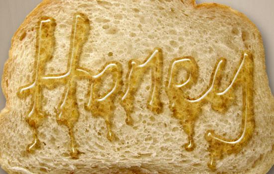Hiệu ứng viết chữ bằng mật ong lên bánh mì nướng