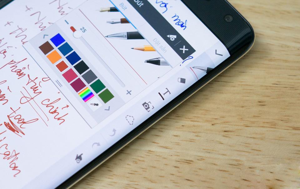 """9 thủ thuật khai thác tối đa ưu điểm """"màn hình cong"""" của Galaxy Note Edge"""