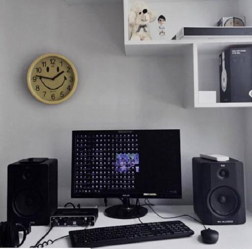 Chiếc máy tính hiệu ASUS của Sơn Tùng MTP