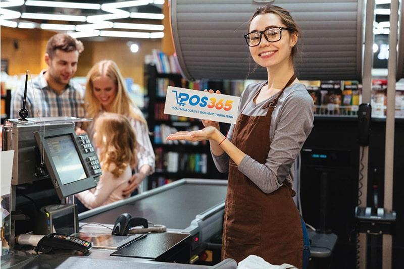 Nhân viên dễ dàng thực hiện việc thanh toán với phần mềm tính tiền nhà hàng POS365